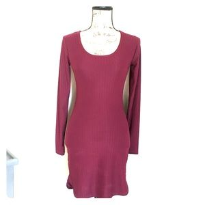 Hot Kiss burgundy dress size M.